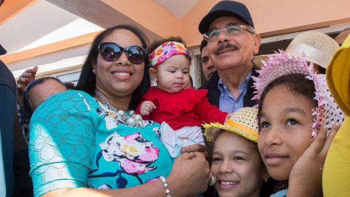 Danilo Medina: estamos creando las condiciones que permitan a las mujeres dominicanas conquistar su independencia en todos los órdenes