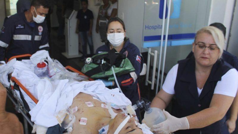 Los hombres, que fueron identificados como exalumnos de la escuela ubicada en un suburbio de Sao Paulo, también balearon y mataron al dueño de un negocio de automóviles usados cercano antes de perpetrar el ataque en la escuela, dijeron las autoridades
