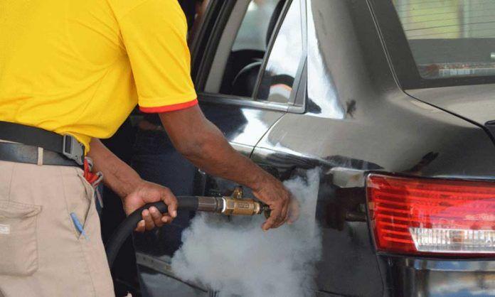 A partir de hoy gasolinas premium y regular se venderán RD$224.90 y RD$209.30