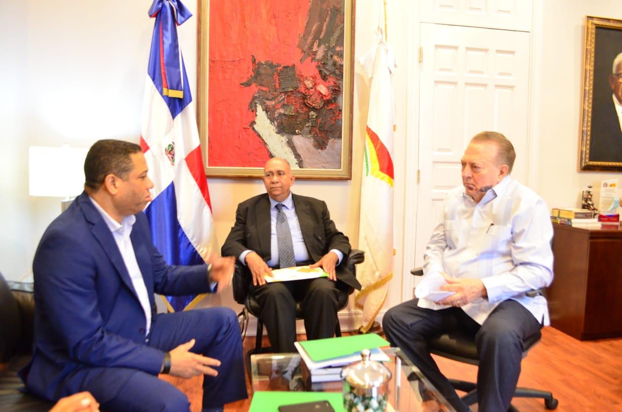 Resaltan reunión directores de derecho de autores regionales