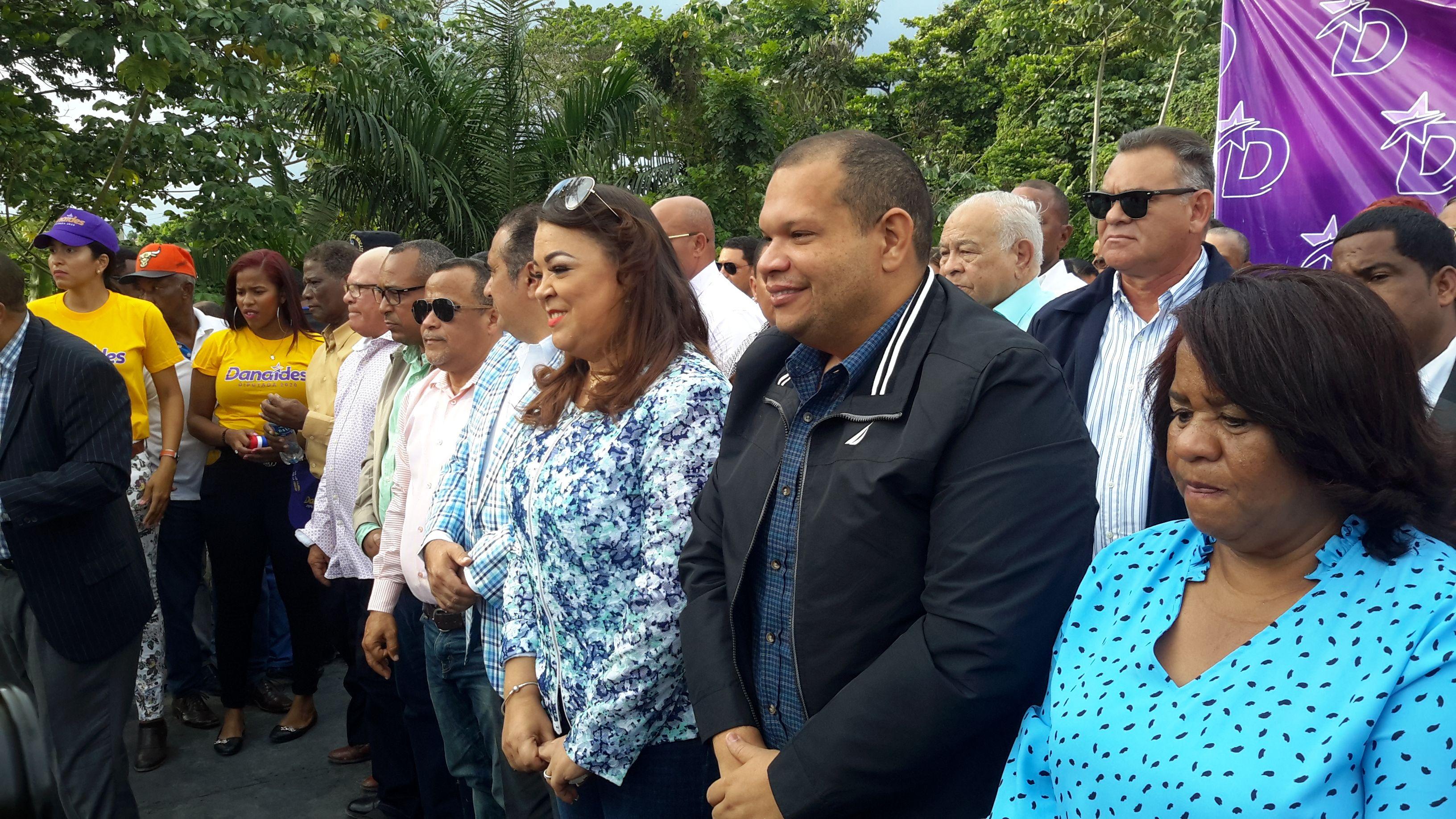 En el acto la Lic, Cristina Batista fue la persona escogida para dirigir palabras en representación de las mujeres del municipio.