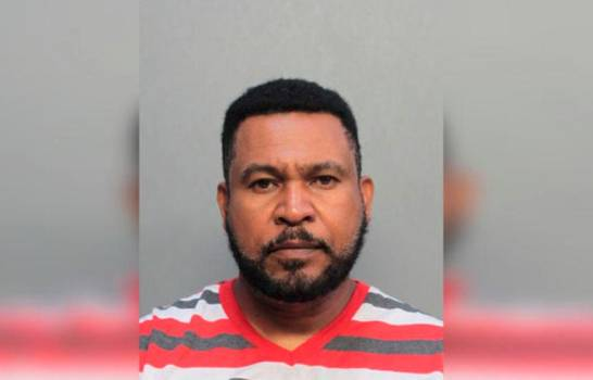 Pastor de Florida es detenido por alegadamente abusar de dos niñas de 9 y 10 años