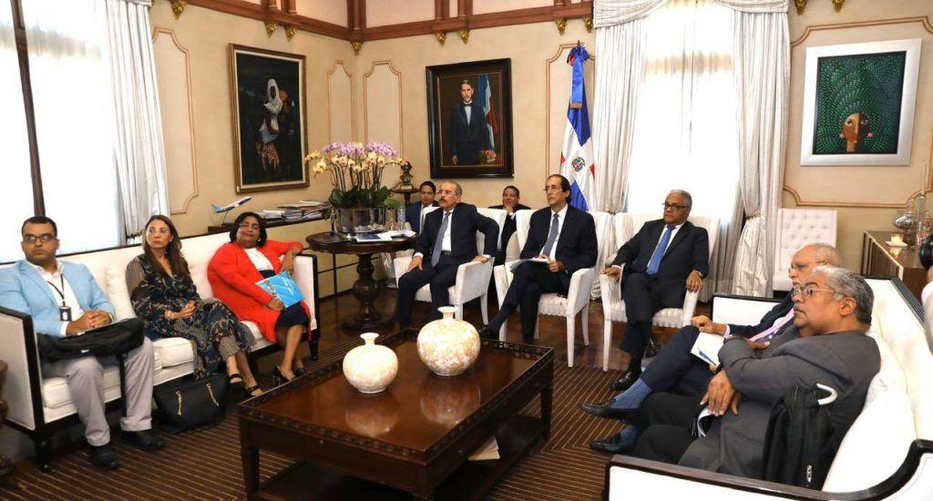 Presidente Medina se reúne con autoridades de salud para tratar situación del coronavirus
