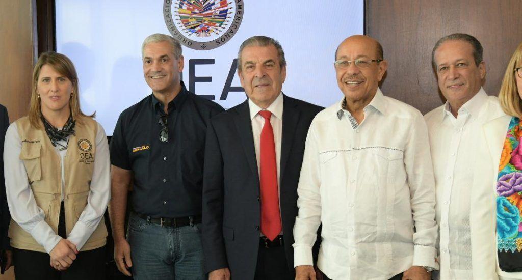 Gonzalo reafirma ante Misión OEA su compromiso de que elecciones sean transparentes y en paz