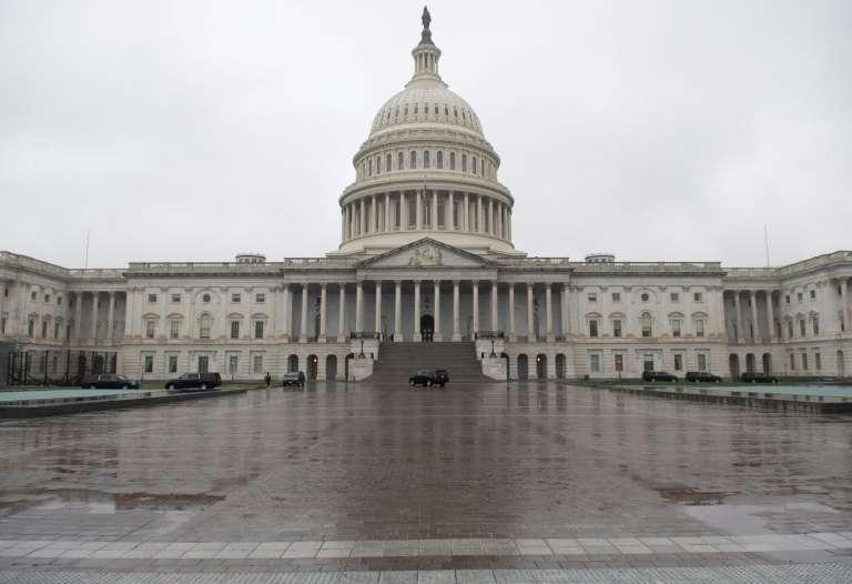 EEUU anuncia un Megaplan de USD 2 billones para mitigar efectos COVID-19