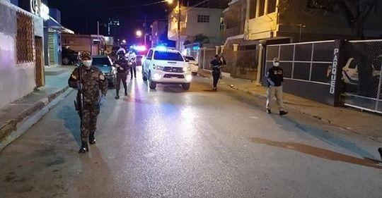 PN ha arrestado a cerca de 10 mil personas violan toque queda COVID imagen
