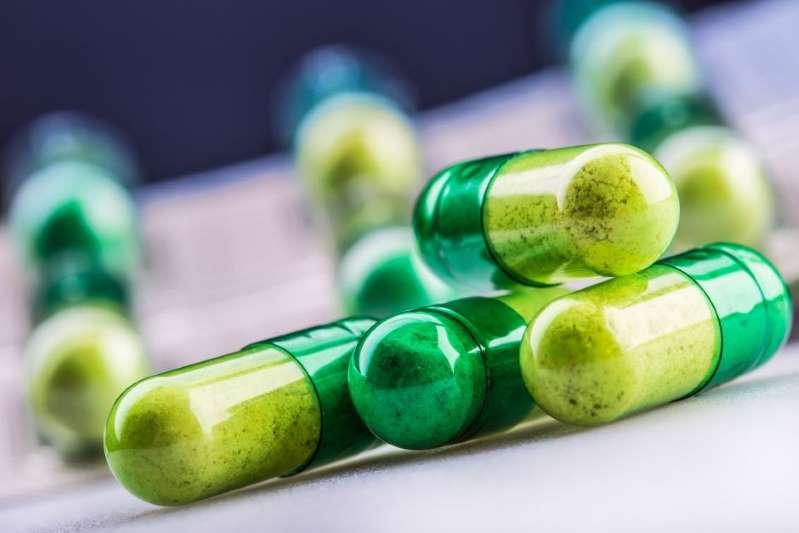 Compra pastillas con veneno para dárselas a unos perros y termina tomándoselas por error