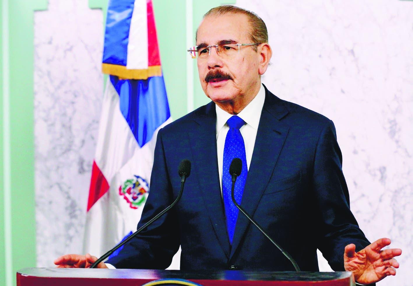Danilo Medina reafirmo que en las próximas horas el gobierno hará una declaratoria de emergencia sanitaria en el país, para aplicar una serie de medidas que garantizarán el cumplimiento de las disposiciones establecidas por la Organización Mundial de la Salud.