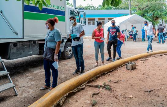 Las autoridades sanitarias intervienen varias zonas de la capital dominicana
