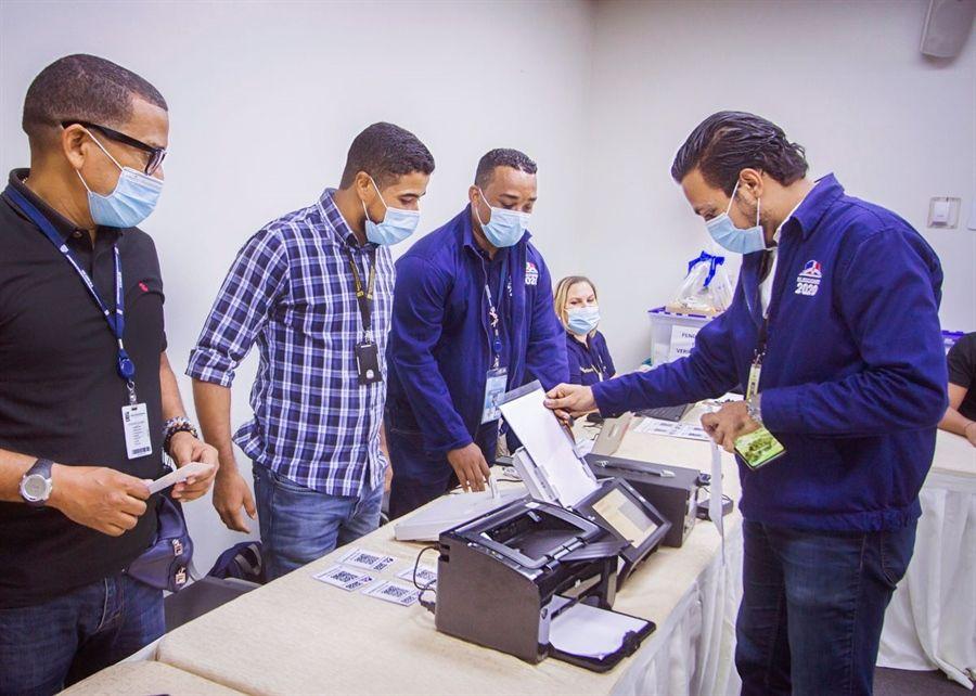 JCE inicia capacitación de 7,500 técnicos para elecciones del 5 de julio