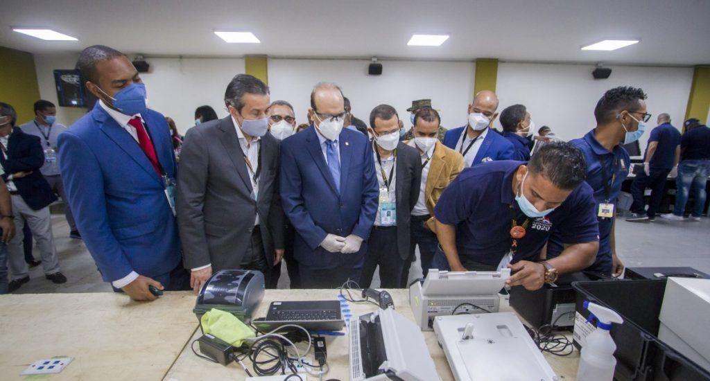 JCE inicia clonación de escáneres que se utilizarán en las elecciones