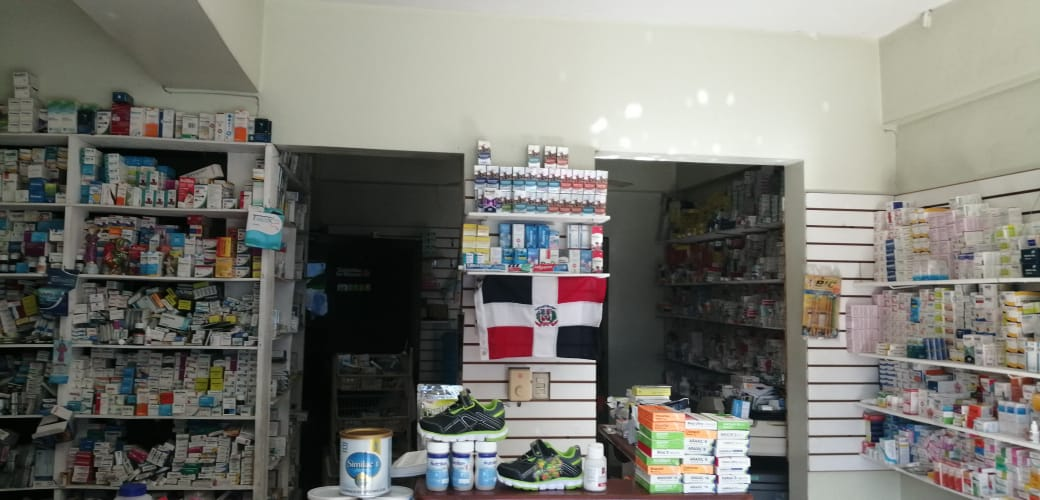 Apresan a dos durante decomiso de 312 mil cajas de medicamentos ilegales en Moca