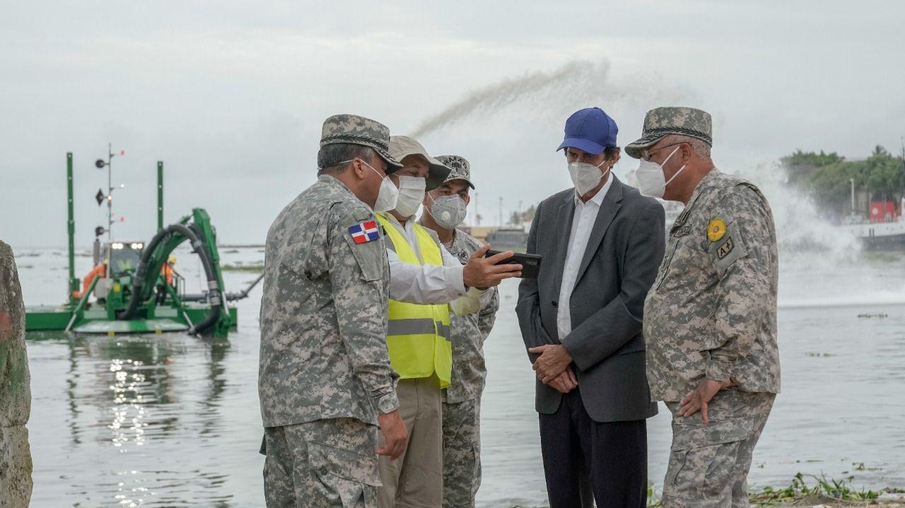 El ministro Gustavo Montalvo recordó que, gracias a estas acciones, el gobierno del presidente Medina aumenta el acceso al agua para el consumo humano y la producción agropecuaria, mejorando la calidad de vida de los dominicanos.