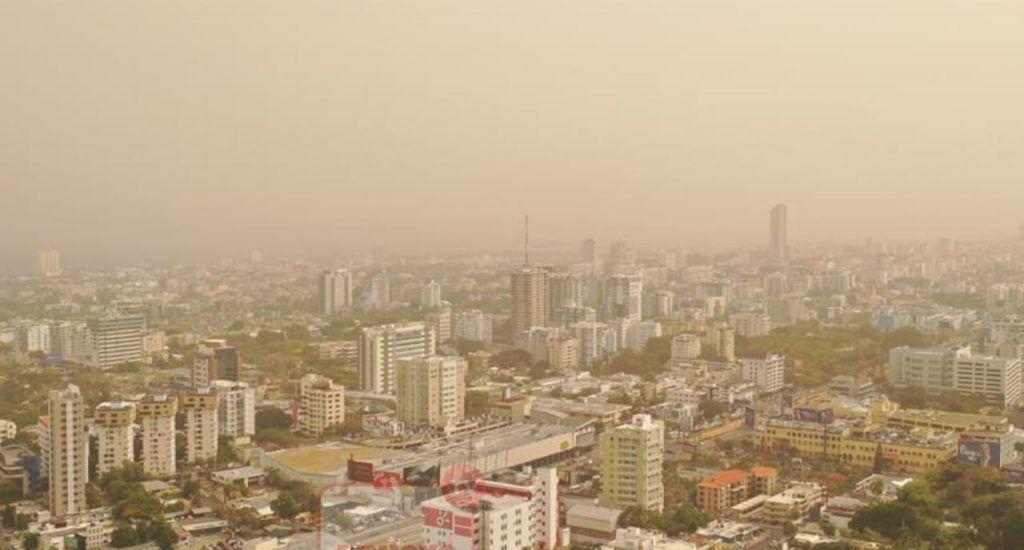 Se está quemando el país de temperaturas calurosas y cielo opaco por el polvo del Sahara. Foto Héctor Romero