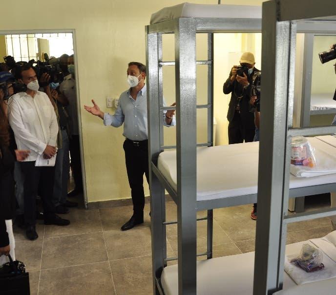 Jean Alain Rodríguez, procurador general de la República, resaltó que estas tres ampliaciones elevan a 2,637 los espacios que se han inaugurado en todo el país como parte del Plan de Humanización del Sistema Penitenciario, que aspira a crear más de 12,000 espacios para terminar con el amontonamiento de privados de libertad.