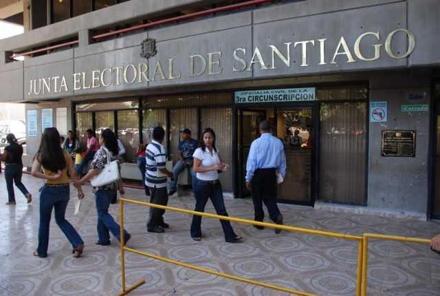 SANTIAGO: Aún no aparecen los 37 millones robados del local de la JCE