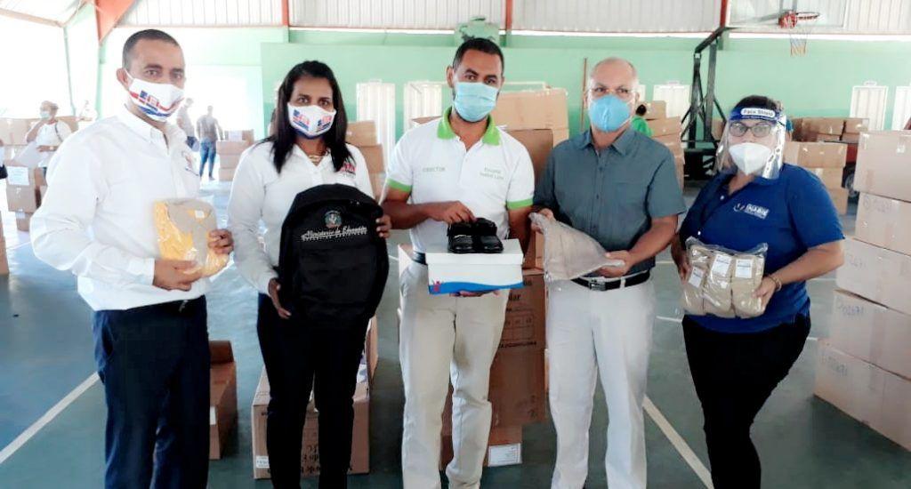 Educación inicia entrega de más de mil 547 kits de útiles escolares a estudiantes