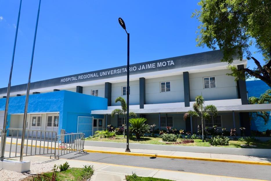 Presidente Medina entrega Hospital Regional Jaime Mota en Barahona