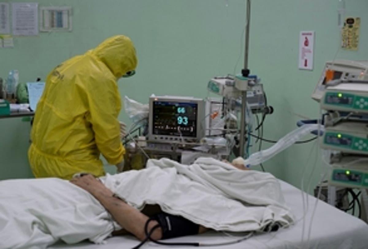 Nuevo récord de COVID-19 en Dominicana mientras sube ocupación hospitalaria