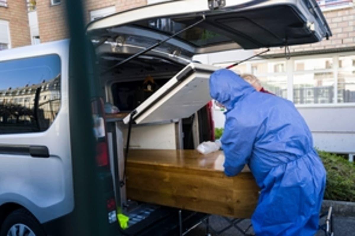 COVID sigue su agitado curso en RD: otras 21 muertes y 694 contagios