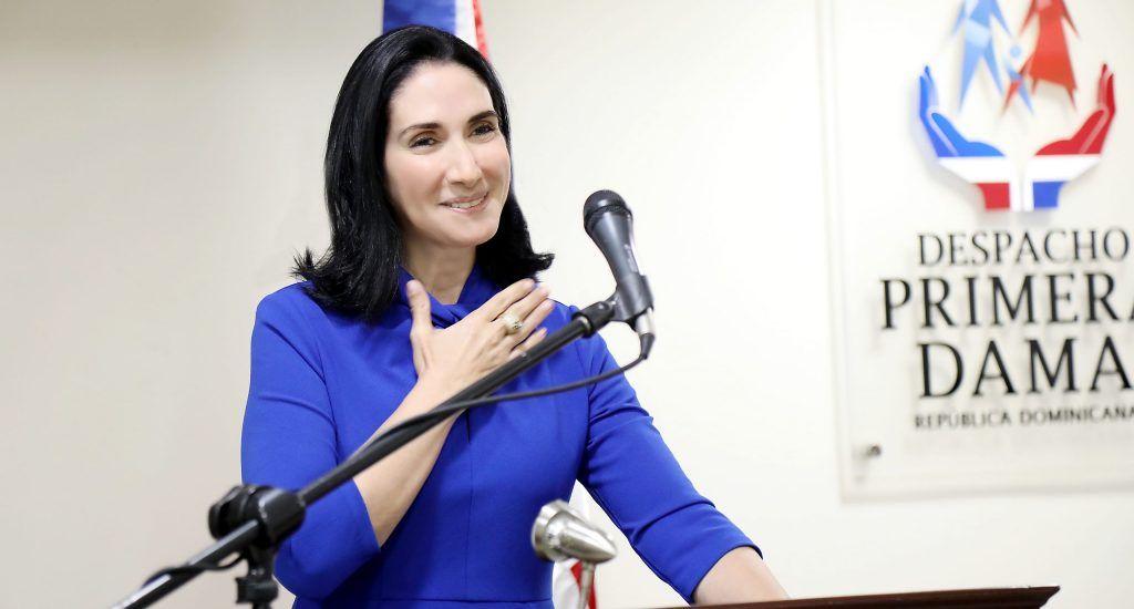 Su esposo, el presidente de la República, Luis Abinader, asumió las funciones el domingo pasado, con un discurso en el que citó las prioridades para el inicio de su gestión en medio de la crisis sanitaria y económica generada por el Covid-19.