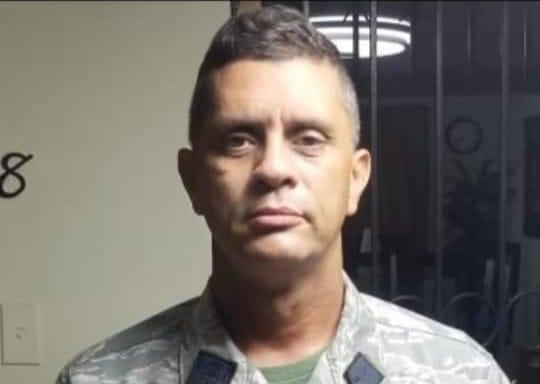 Coronel hallado muerto dentro de vehículo no tenía problemas personales, afirman familiares