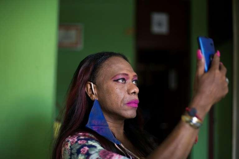 La pandemia asfixia a trabajadoras sexuales trans de República Dominicana
