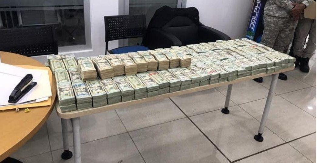 EE.UU: Retienen medio millón de dólares que serían enviados a RD