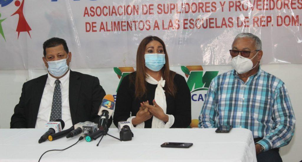 Suplidores de alimentos escolares exigen pagos adeudados por más de 5,000 millones de pesos