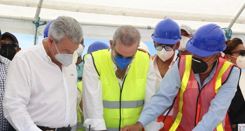 Presidente Abinader anuncia ambicioso proyecto en puerto de Manzanillo