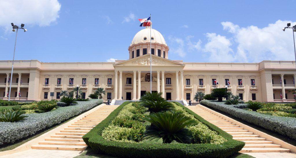Abinader destituye más de 30 funcionarios de embajadas en EEUU, Cuba y otros países