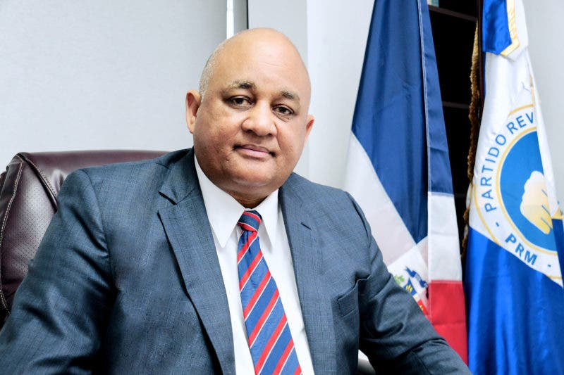 Roberto Fulcar pide a sus compañeros del PRM prudencia en sus declaraciones