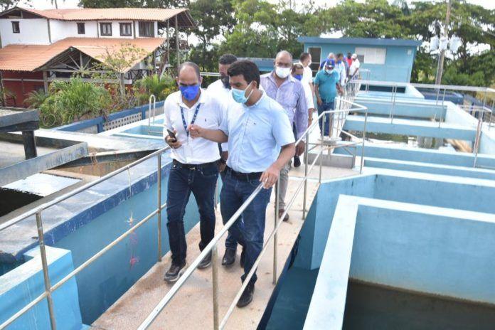 El director ejecutivo del Instituto Nacional de Aguas Potables y Alcantarillados (INAPA), Wellington Arnaud Bisonó