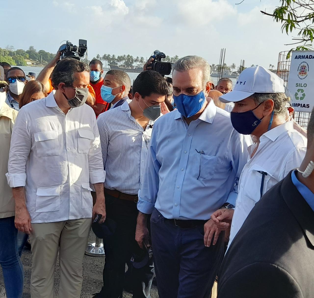 Abinader: «Nuestro compromiso es parar la contaminación del río Ozama»
