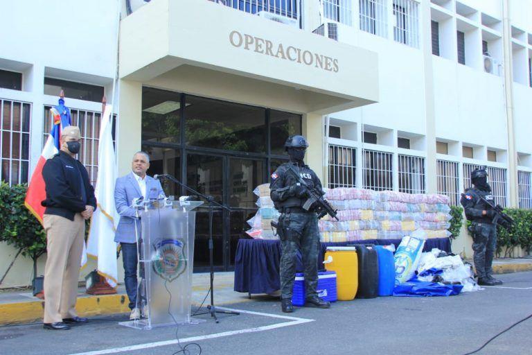 Autoridades incautan 444 paquetes de presunta cocaína en costas de San Pedro de Macorís