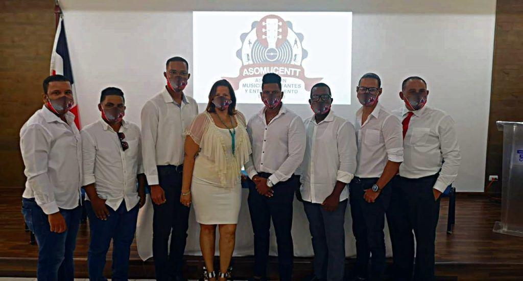 Trabajadores dominicanos del entretenimiento turístico denuncian son desplazados por extranjeros