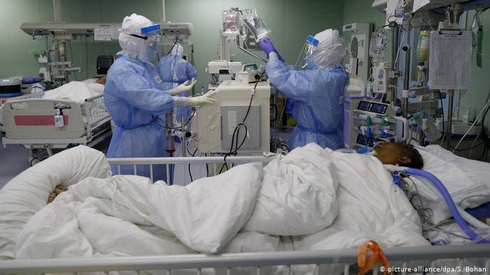 Continúa en aumento ocupación de camas en Cuidados Intensivos para afectados con COVID-19