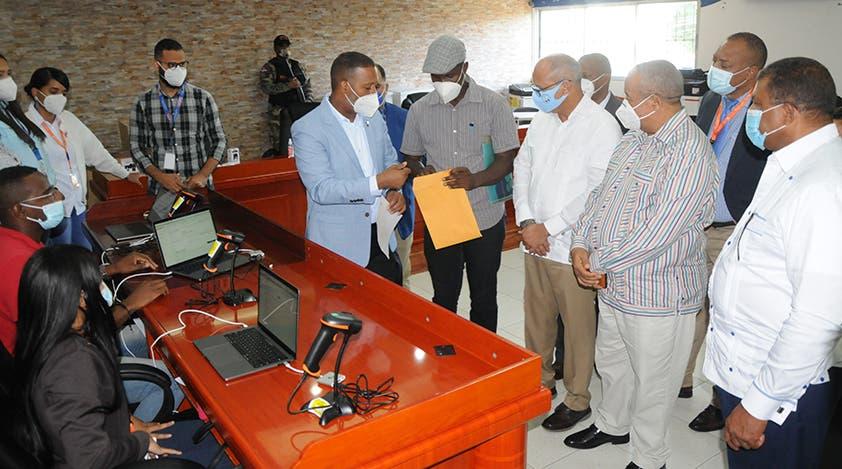 MOPC inicia recepción de documentos de inscripción para licitación de obras en Hato Mayor