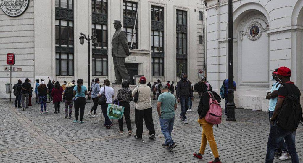 Chilenos inician retiro de ahorros de AFP por segunda vez durante pandemia. FUENTE EXTERNA.