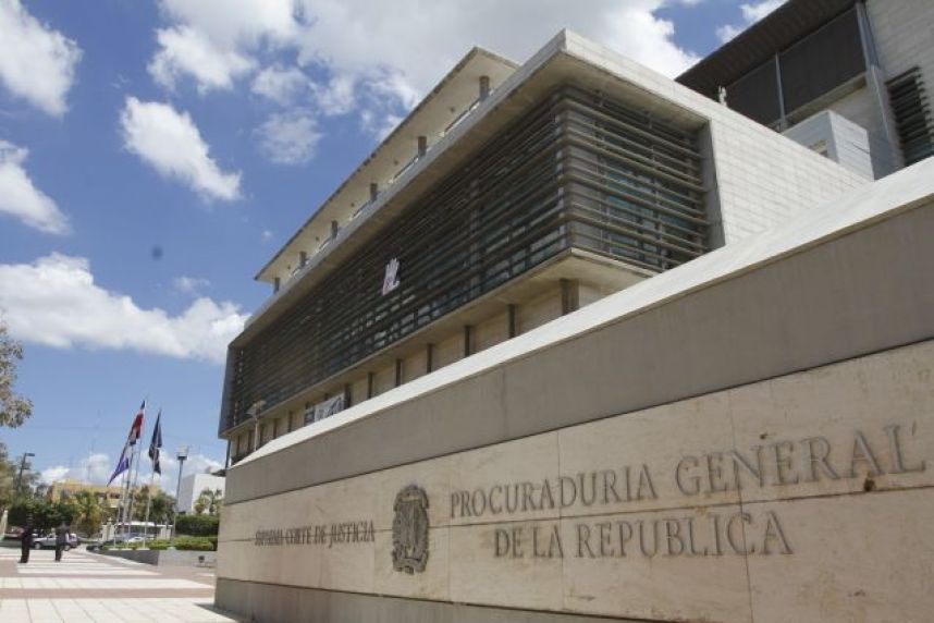 Autoridades aseguran es posible cabeza de red de corrupción no se detenga en Juan Alexis Medina