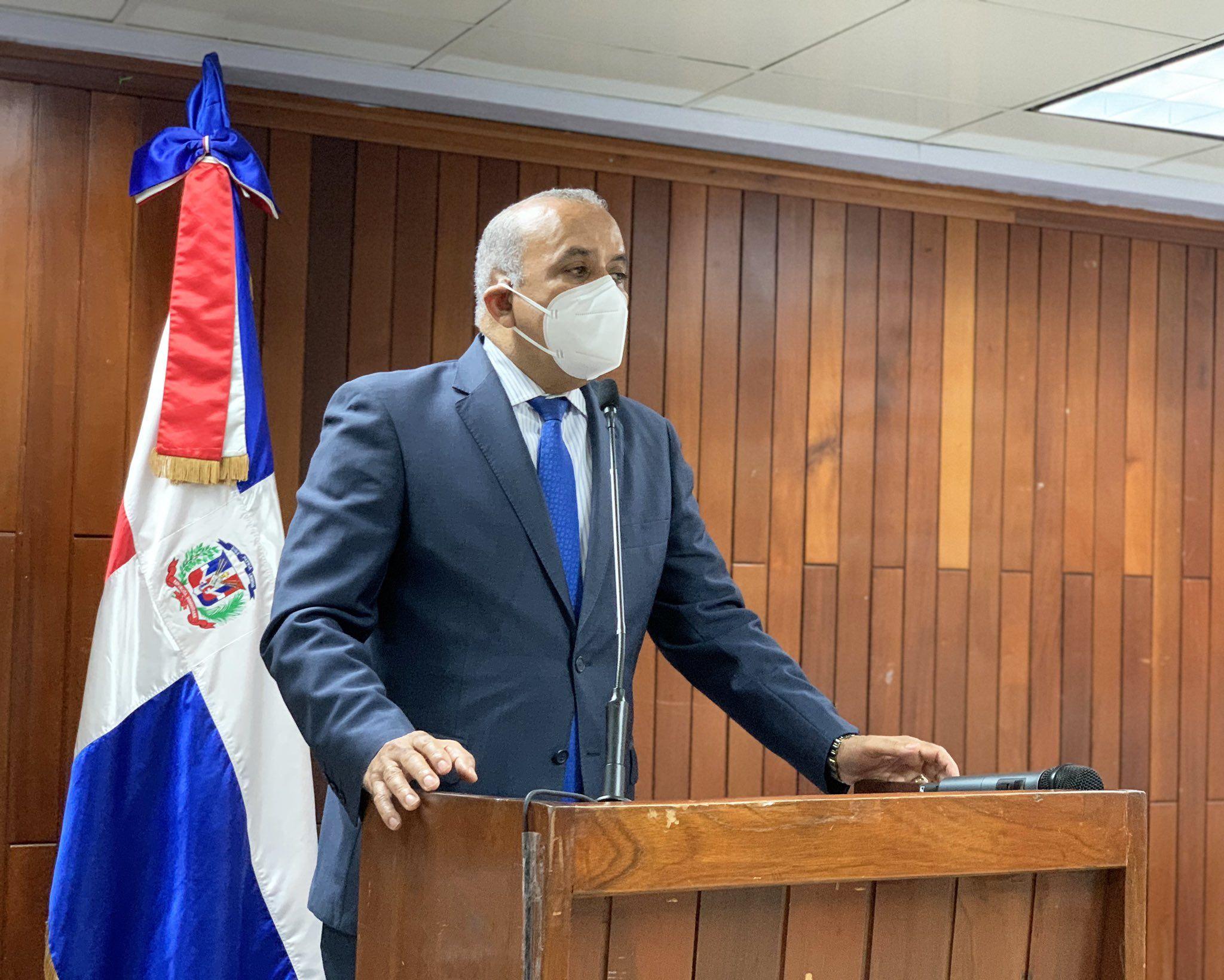 65% de los casos de Covid-19 son transmitidos por jóvenes dice ministro de SaludFUENTE EXTERNA.