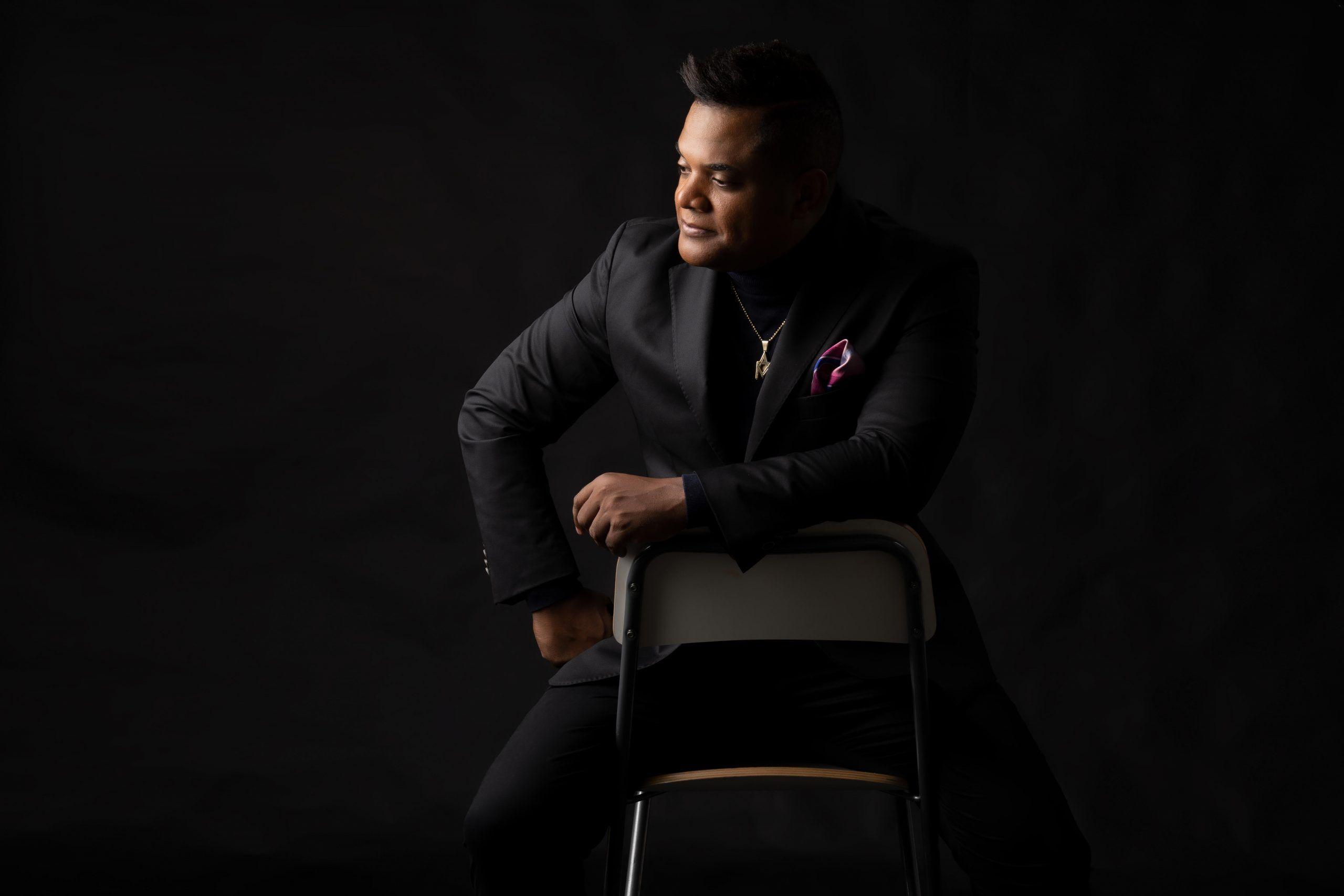 """Alex Matos saltó a la estelaridad en la salsa al interpretar en 2011 un tema de Anthony Ríos, titulado """"Si entendieras"""", sustentado en lo musical por el arreglista Víctor Waill."""