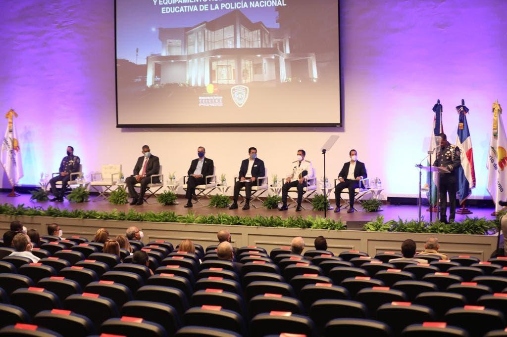 Presidente Abinader entrega nuevo y moderno Auditorio Policía Nacional