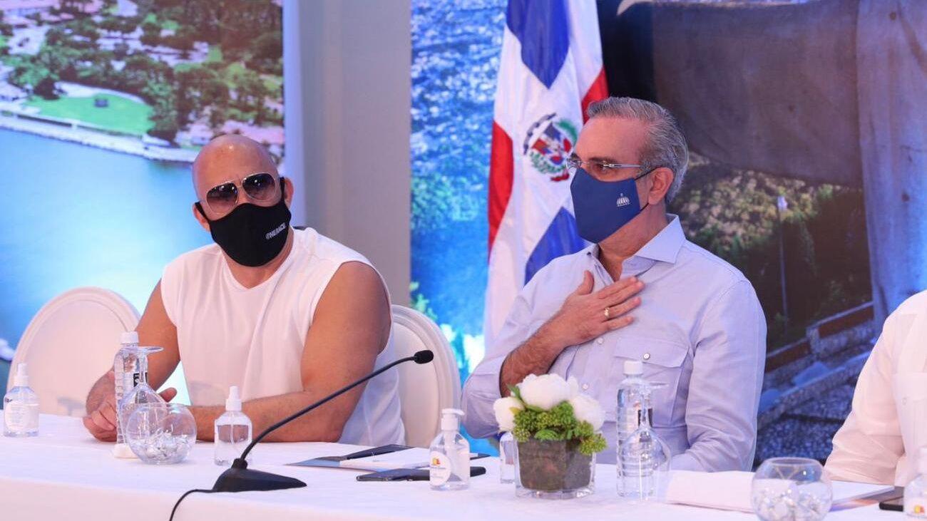 En el encuentro con Vin Diesel, Abinader estuvo acompañado por los ministros Administrativo de la Presidencia, José Ignacio Paliza y de Turismo, David Collado, así como de la senadora por la provincia de Puerto Plata Ginette Bournigal.