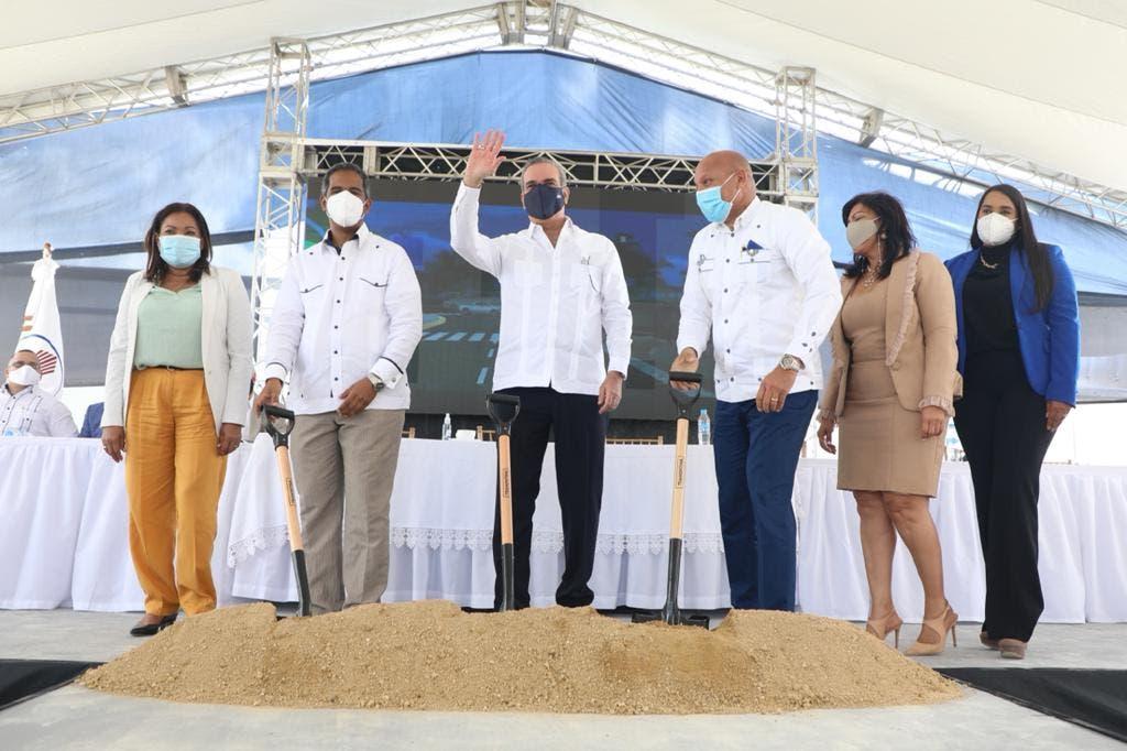 Abinader da primer palazo: Invertirán más de RD$ 2 mil millones en viviendas de bajo costo en SDE