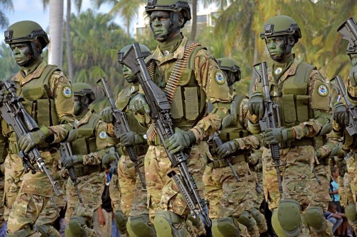 Mes tras mes los integrantes de las instituciones militares pagan el 7% de sus salarios a la Seguridad Social de las Fuerzas Armadas, fondos administrados por Instituto de Seguridad Social de las Fuerzas Armadas. FUENTE EXTERNA