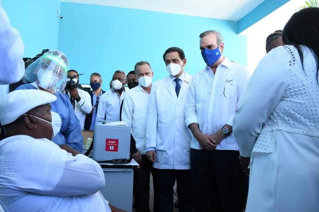 Ministro de Salud reitera habrá segunda dosis para completar inoculación contra covid-19