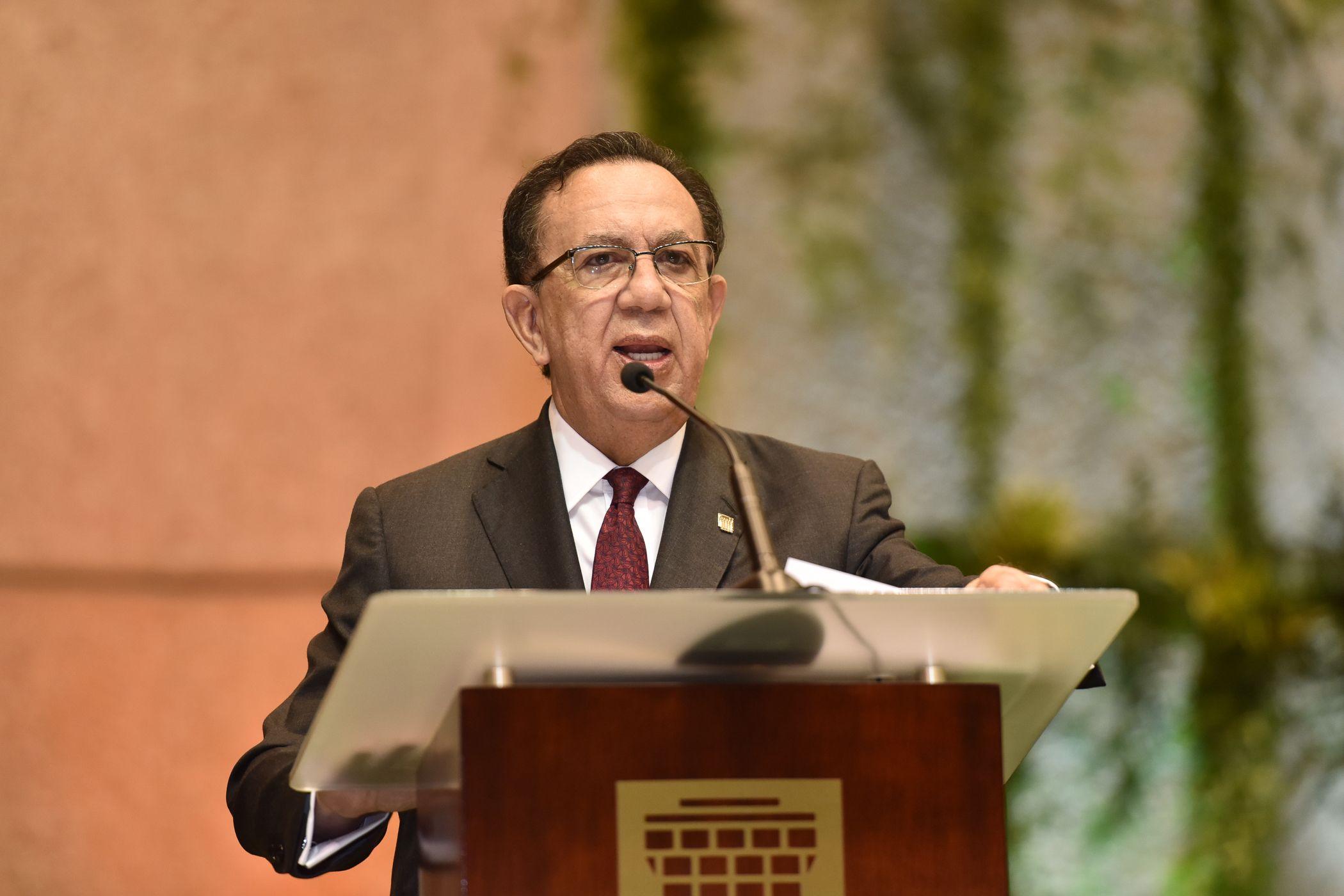 Gobernador Banco Central anuncia la Estrategia Nacional de Inclusión Financiera