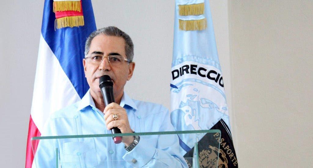 Dirección de Pasaportes no exigirá acta de nacimiento legalizada para servicios