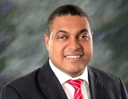JOSE P. MONEGRO, es director del periódico El Día.